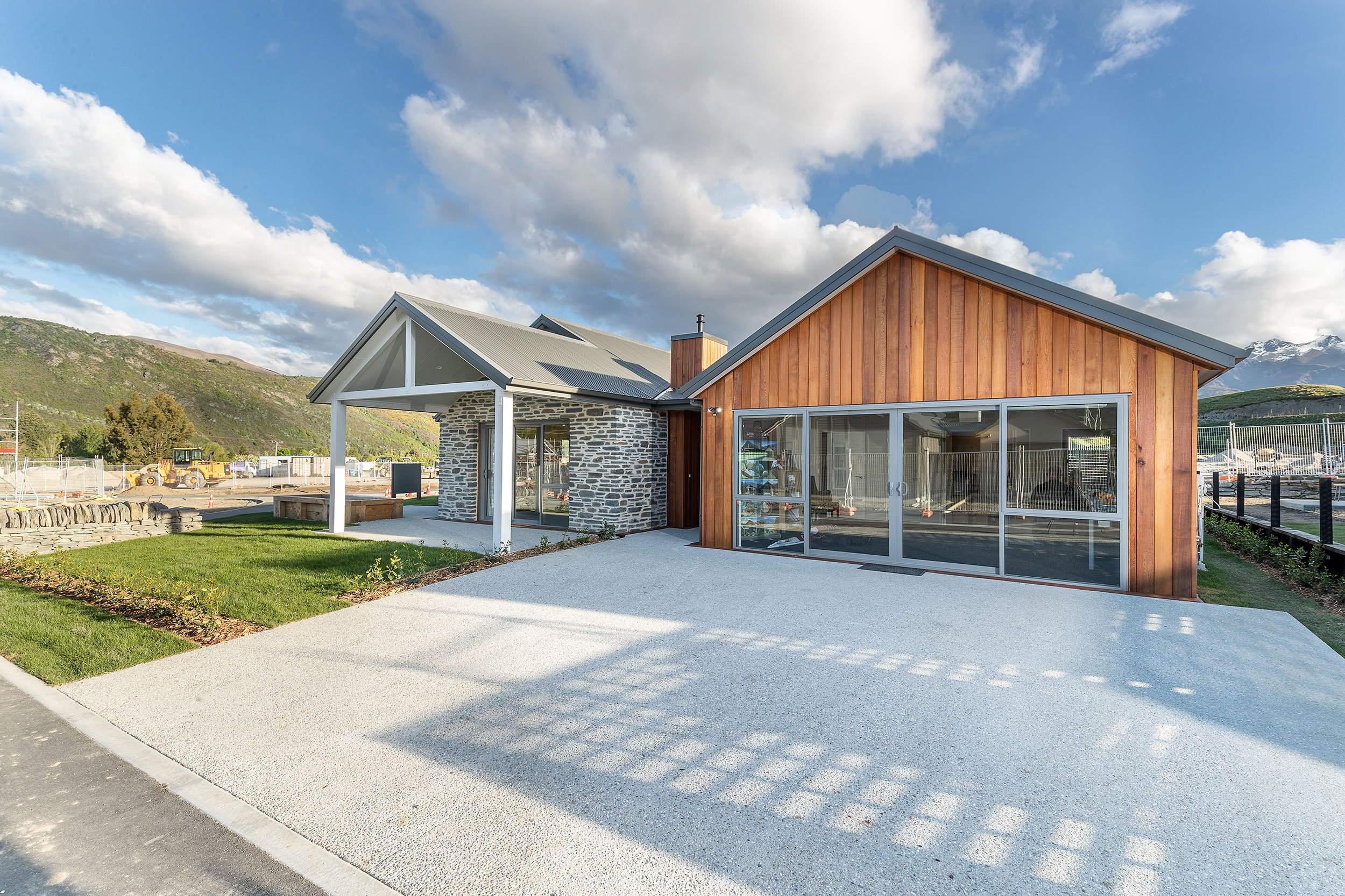 Newly Completed Shotover – **UNDER OPTION**